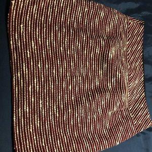 loft skirt. Red, white & black . Side zipper. Sz 4